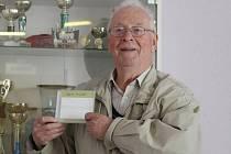 Ota Heller s propagačním DVD, které vzniklo ve spolupráci s TV Šlágr