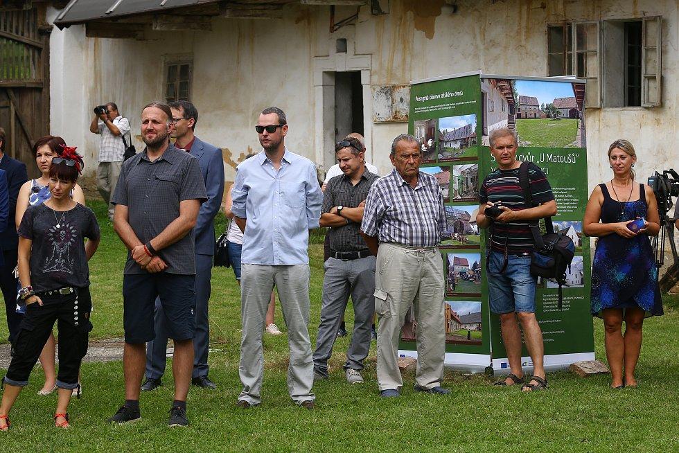 Selský dvůr U Matoušů Plzeň - Bolevec zahájení rekonstrukce