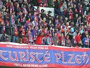 Viktorii přijely do Prahy podpořit čtyři tisíce fanoušků.