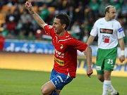 Milan Petržela z Viktorie Plzeň se raduje z úvodní branky finálového duelu Ondrášovka Cupu. Záložník plzeňského celku otevřel skóre zápasu s Jabloncem už ve 2. minutě.