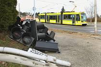 Rekonstrukce semaforů na křižovatce ulic Plaská a Tachovská v Plzni.