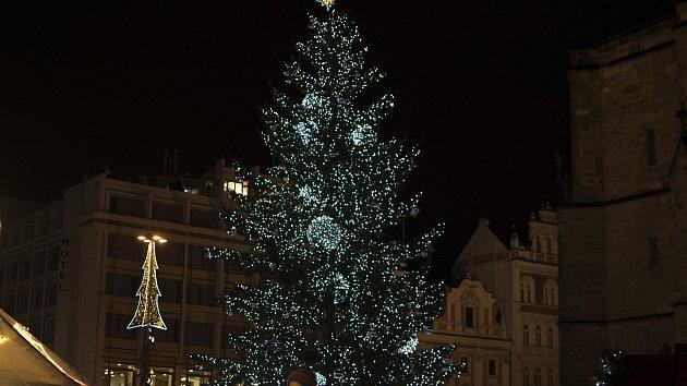 Rozsvícení vánočního stromu na náměstí Republiky
