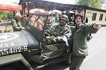 Vojenský kemp v Konstantinových Lázních, ze kterého budou vyrážet členové Military Car Clubu se svými auty na vyjížďky po Západních Čechách