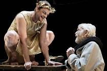 Martin Stránský jako Caligula a Viktor Vrabec v roli Senecta při zkouškách dramatu Caligula, které má v sobotu premiéru ve Velkém divadle v Plzni