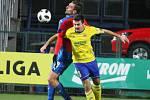 V pátečním duelu 18. kole FORTUNA:LIGY fotbalisté Fastavu Zlín (ve žlutém) hostili úřadujícího mistra Viktorii Plzeň. Na snímku zlínský Buchta.