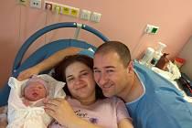 Eliška Pospěchová se narodila 13. ledna v11:22 jako sté miminko tohoto roku vplzeňské FN. Po příchodu na svět vážila prvorozená dcerka maminky Kateřiny a tatínka Davida 2940 gramů a měřila 48 centimetrů.