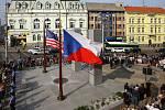Slavnostní odhalení památníku Díky, Ameriko!