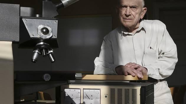 Mojmír Petráň spolu s Milanem Hadravským (titul udělen in memoriam) patentovali konfokální mikroskop na bázi rotujícího Nipkowova kotouče