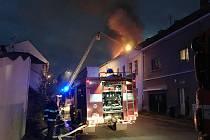 Požár bytového domu v Keřové ulici