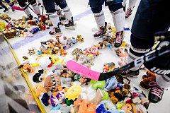 PLYŠÁKOVÁ BOUŘE. Všechny vybrané hračky poputují na dětské oddělení Fakultní nemocnice v Plzni.