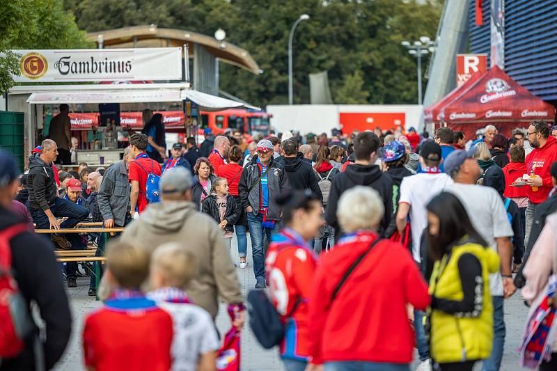Lidí dorazilo dost, na zápase s Českými Budějovicemi pak bylo v hledišti skoro deset tisíc diváků.