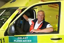 Václav Kovářík od roku 1993 jezdil u krajské záchranky se speciální sanitkou, která měla inkubátor.