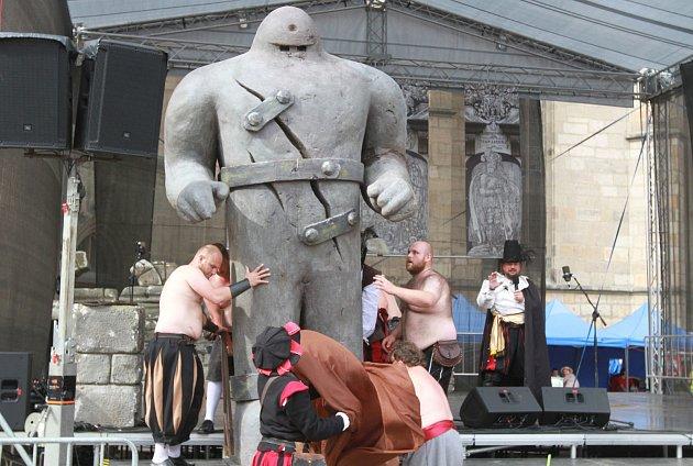 Golem na náměstí v Plzni.