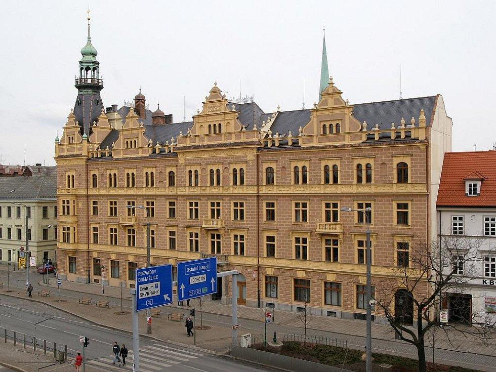 Budova Fakulty právnické Západočeské univerzity v Plzni.