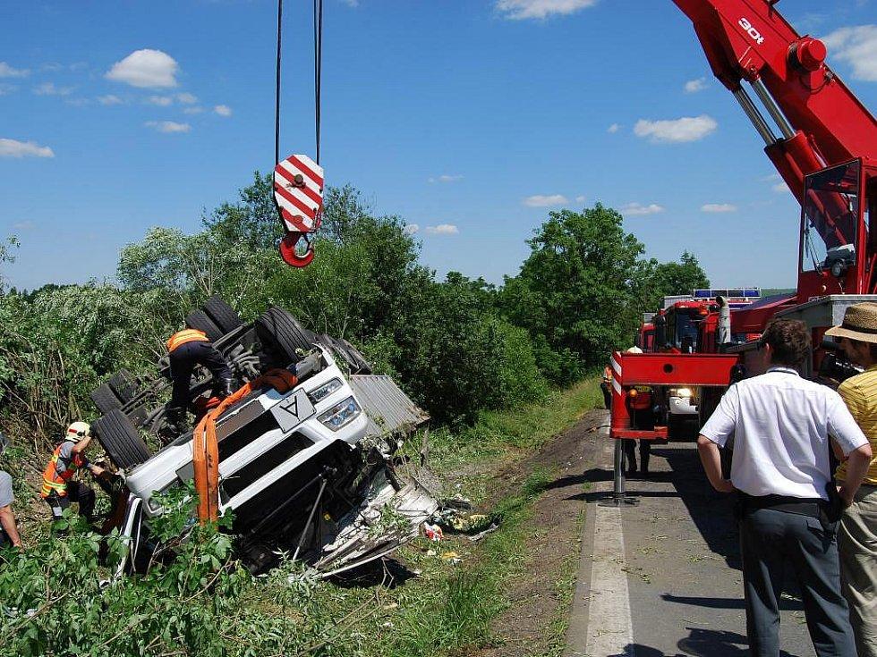 Tragická nehoda kamionu mezi Blovicemi a Štítovem