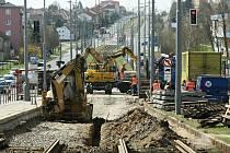 Rekonstrukce kolejiště v Plaské ulici začala.