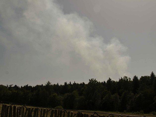 Požár lesa u Červeného Hrádku