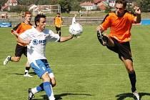 ČFL je ideální soutěží pro talentované fotbalisty s prvoligovými ambicemi. Příkladem je Ondřej Šiml (vlevo), který se po kvalitních  výkonech  posunul v zimě do A týmu Viktorie