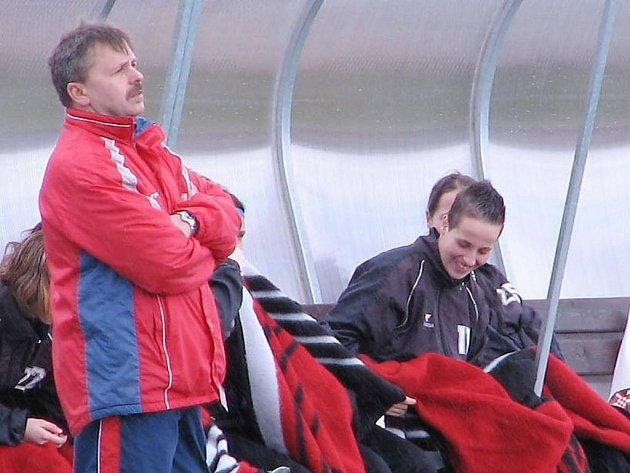 Trenér fotbalistek Viktorie Plzeň Josef Dobrý (na archivním snímku vlevo)