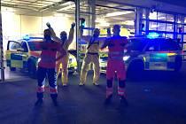 Záchranáři z Plzeňského kraje tančí na výzvu Coronavirus Dance Challenge