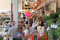 Otevření hobbymarketu Hornbach v Plzni.