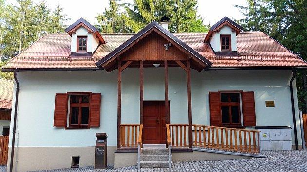 Rekonstrukce budov: Centrum služeb pro turisty