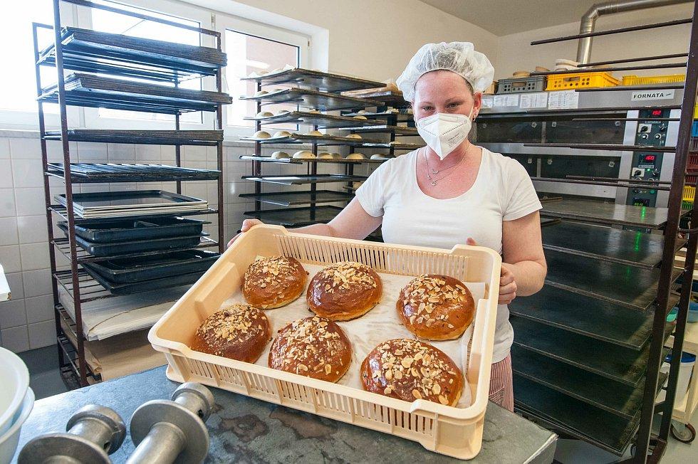 V pekárně u Marka letos napekli celkem 200 kusů mazanců.