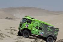 Posádka 3K, kterou tvoří Martin Kolomý a bratři René a David Kiliánovi jede Rallye Dakar v tomto složení potřetí. Po skončení páté etapy byli čtvrtí