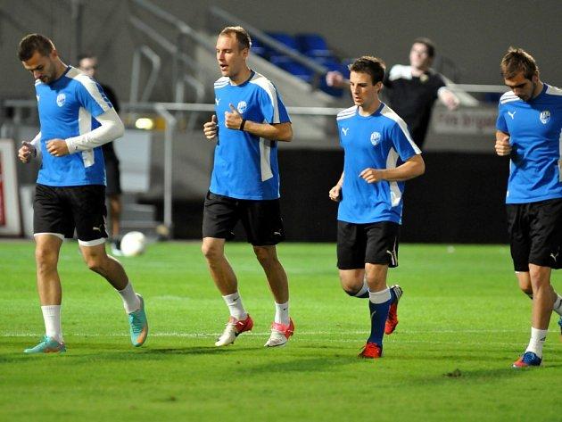 Daniel Kolář (druhý zleva) při středečním tréninku fotbalistů FC Viktorie Plzeň v Tel Avivu.