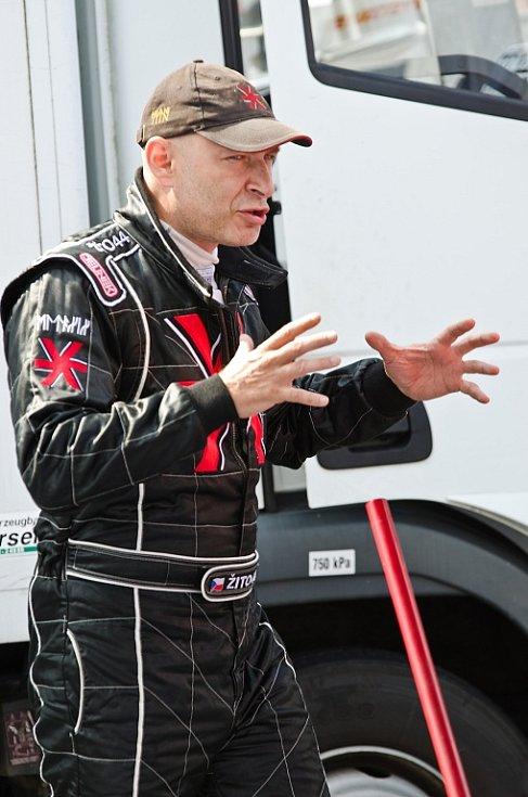 Daniel Landa alias Žito 44 závod nedokončil.