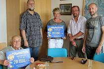 Filmový festiválek Hrákula navštívilo podle organizátorů z TJ Sokol Hradiště kolem 1500 lidí, kteří symbolickým vstupným ve výši 20 korun podpořili Dětský domov Domino a také aktivity slovanských seniorů