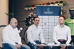 Projekt cyklistické akademie představili (zleva) Václav Novák, Roman Kreuziger a Petr Kubias.
