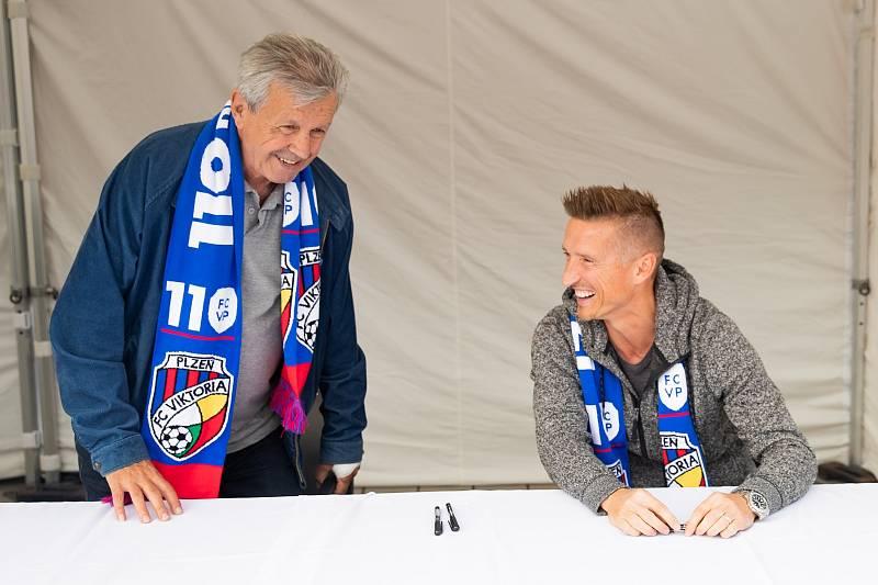 Nebo legendární František Plass a mladší Patrik Ježek.