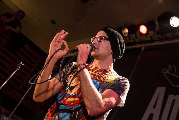 Filip Koryta se stal českým mistrem ve slam poetry. Příští rok bude reprezentovat Českou republiku na evropském šampionátu v Budapešti.