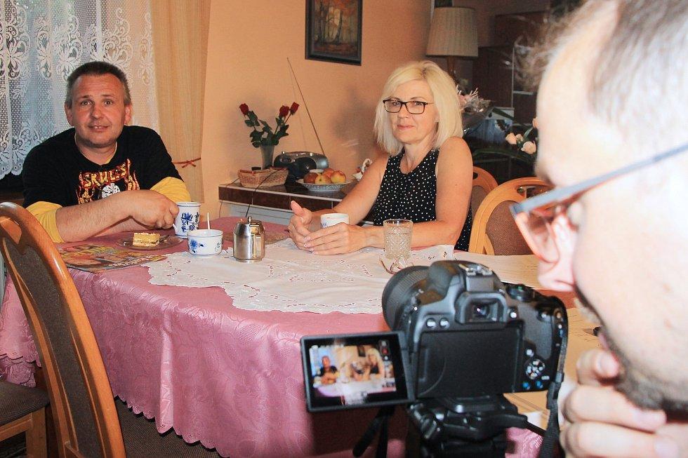 Nadšenci ze Žihle točí už třetí letní komedii. Na snímku Libor Kulhánek, Martina Rambousková a režisér Jiří Bláha.