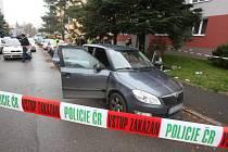 Policisté v Plzni-Lobzích vyšetřují napadení ženy. Agresor ji polil kyselinou