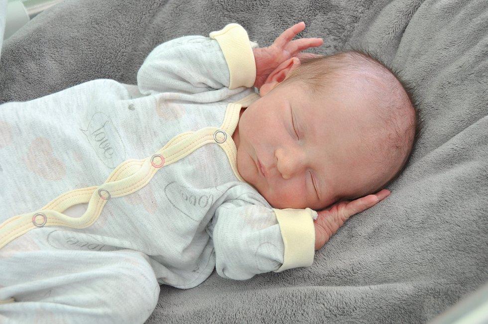Filip Štěpán zHoražďovic se narodil ve strakonické porodnici 22. března 2020 v 9:41 hodin (3320 g). Ze svého prvorozeného miminka mají radost rodiče Martina a Marek.