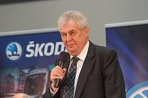 Prezident Miloš Zeman při besedě se zaměstnanci Škody Electric