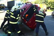 Páteční ranní nehoda tří aut na křižovatce ulic Klatovská a Majerova v Plzni