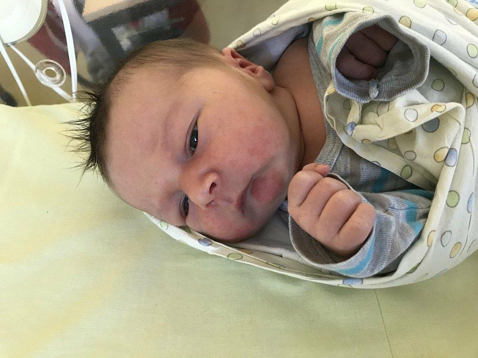 Václav Lecjaks (52 cm, 3940 g) se narodil 20. července v 11:40 hodin v plzeňské Mulačově nemocnici. Na prvorozeného chlapečka, který dostal jméno po tatínkovi, se rodiče Eliška a Václav z Přeštic moc těšili.