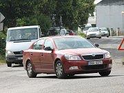 V Žerovicích rychle jedoucí auta zpomaluje ostrá křižovatka