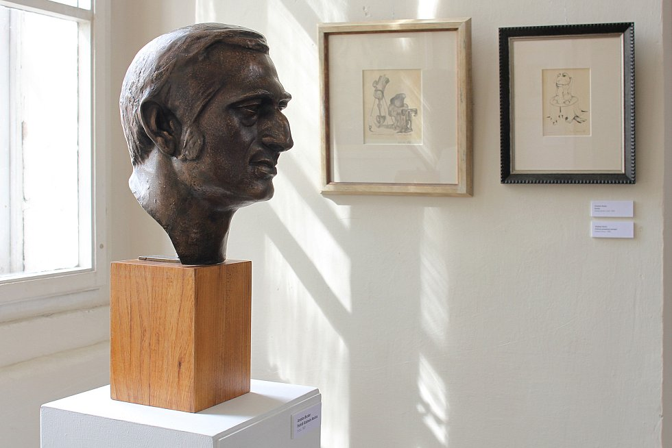 Busta Vladimíra Havlice, kterou vytvořil sochař Jaroslav Bocker.