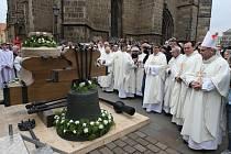 Biskup požehnal novým zvonům