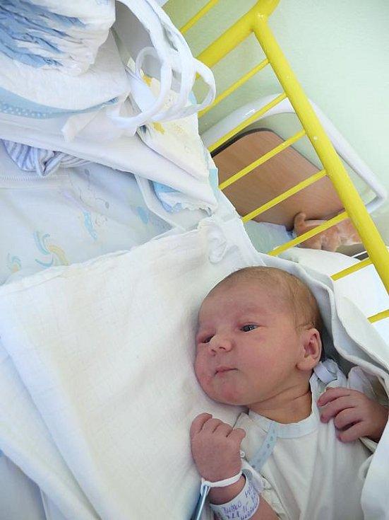 Matěj (3,40 kg, 51 cm) přišel na svět 2. srpna v 7:52 v Mulačově nemocnici v Plzni. Z narození svého prvorozeného syna se radují maminka Zuzana Horánská a tatínek Tomáš Bučko z Třemošné