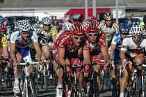 Své hvězdy kvůli zraněním ztrácí Tour de France stejně jako Giant Liga. Vítěz tří minulých ročníků Jiří Nesveda (na archivním snímku uprostřed)  vládl i letošnímu seriálu kritérií, jenže nyní ho z boje vyřadila zlomená klíční kost.