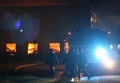 Požár skladu oblečení v Plzni na Borských polích
