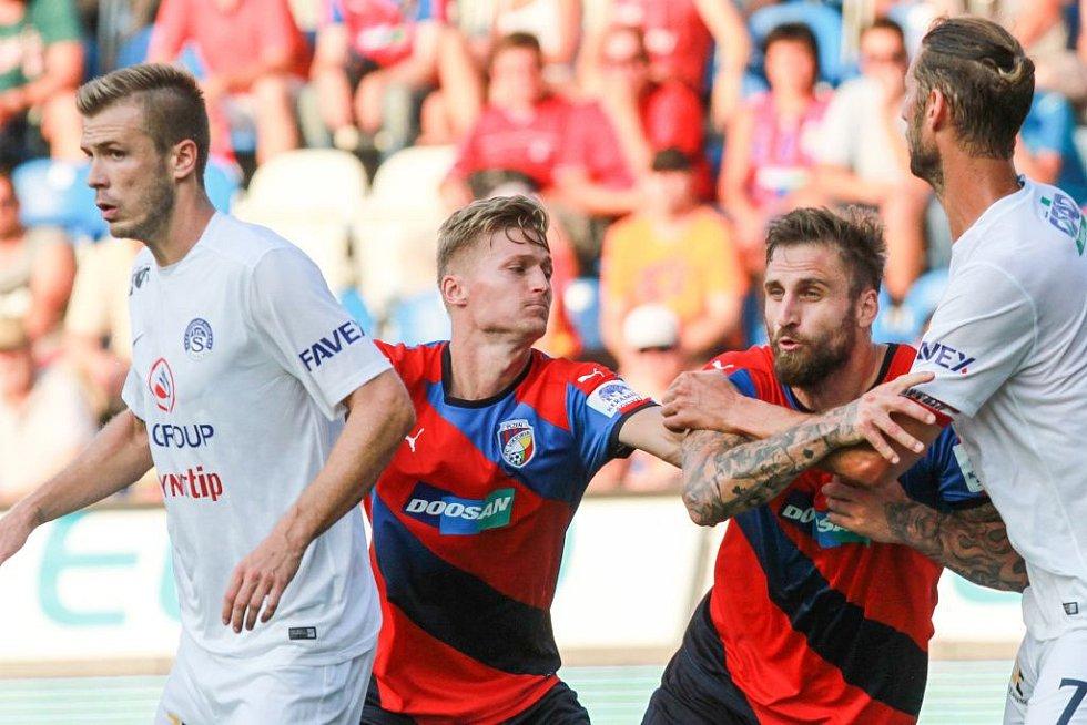 Fotbalisté Viktorie Plzeň zaváhali i v dalším zápase. S oslabeným Slováckem pouze remizovali 2:2.