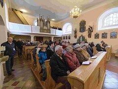 Novotou září kostel sv. Prokopa v Letinech. Jeho renovace vyšla na miliony korun a týkala se vnější fasády či omítky a interiérů. Spolek sv. Prokopa plánuje nové vyhřívané koberce