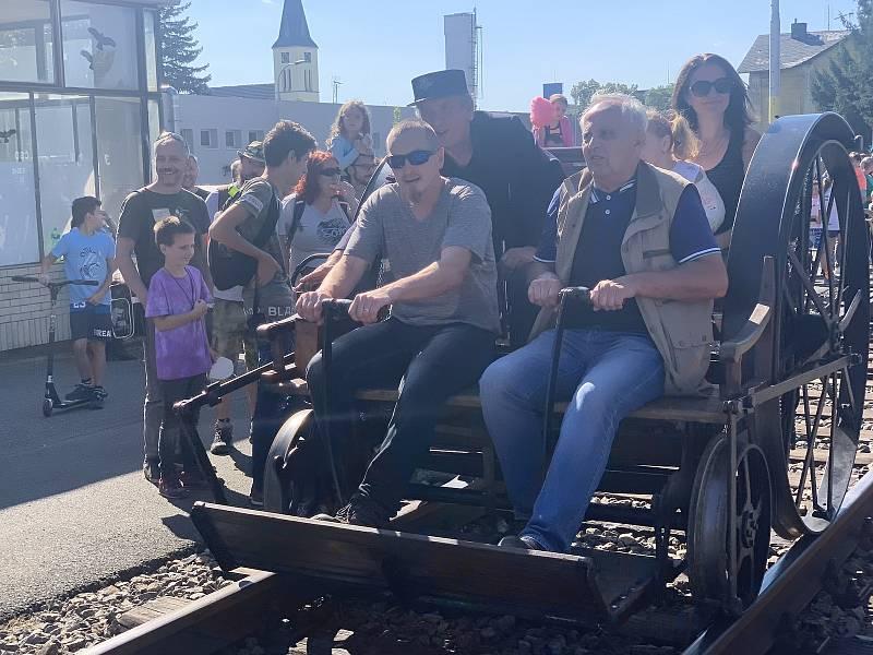 Pro obyvatele Nýřan a okolních obcí připravilo město o tomto víkendu ukázku historické techniky. Součástí byly i bojové akce.