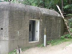 Jeden z bunkrů, o který pečují nadšenci v Kladrubech na Tachovsku. Zítra ho ukáží první dámě Ivaně Zemanové